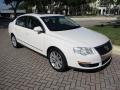 Volkswagen Passat Komfort Sedan Candy White photo #13