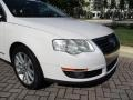 Volkswagen Passat Komfort Sedan Candy White photo #19