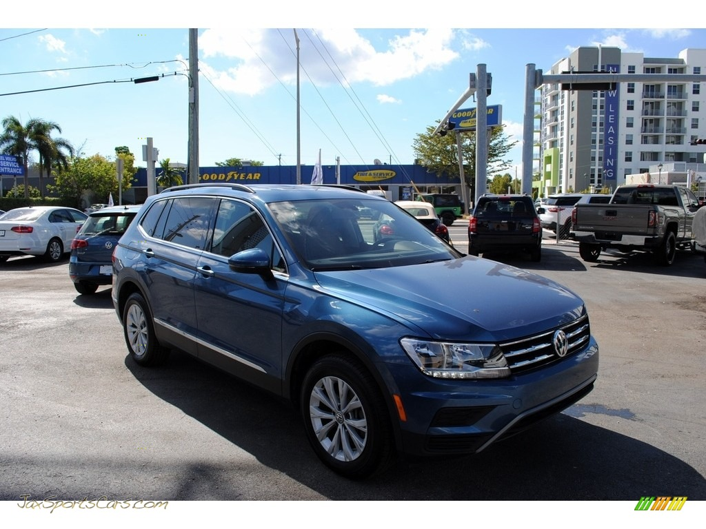 2018 Tiguan SE - Silk Blue Metallic / Titan Black photo #1