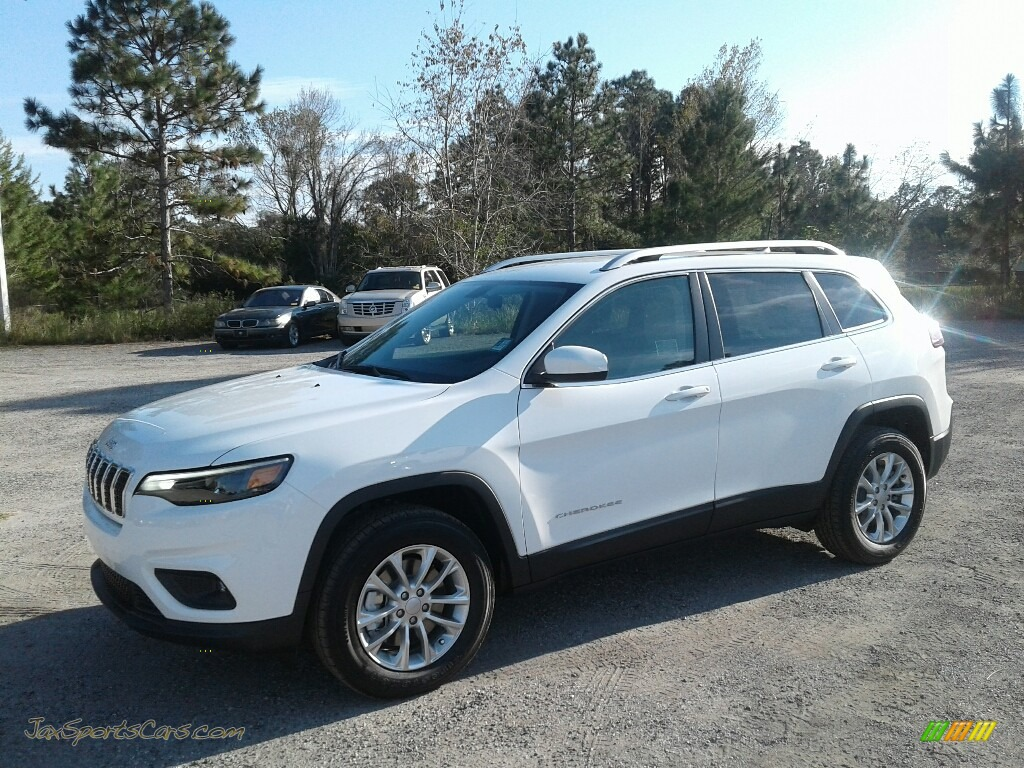 2019 Cherokee Latitude 4x4 - Bright White / Black/Light Frost Beige photo #1