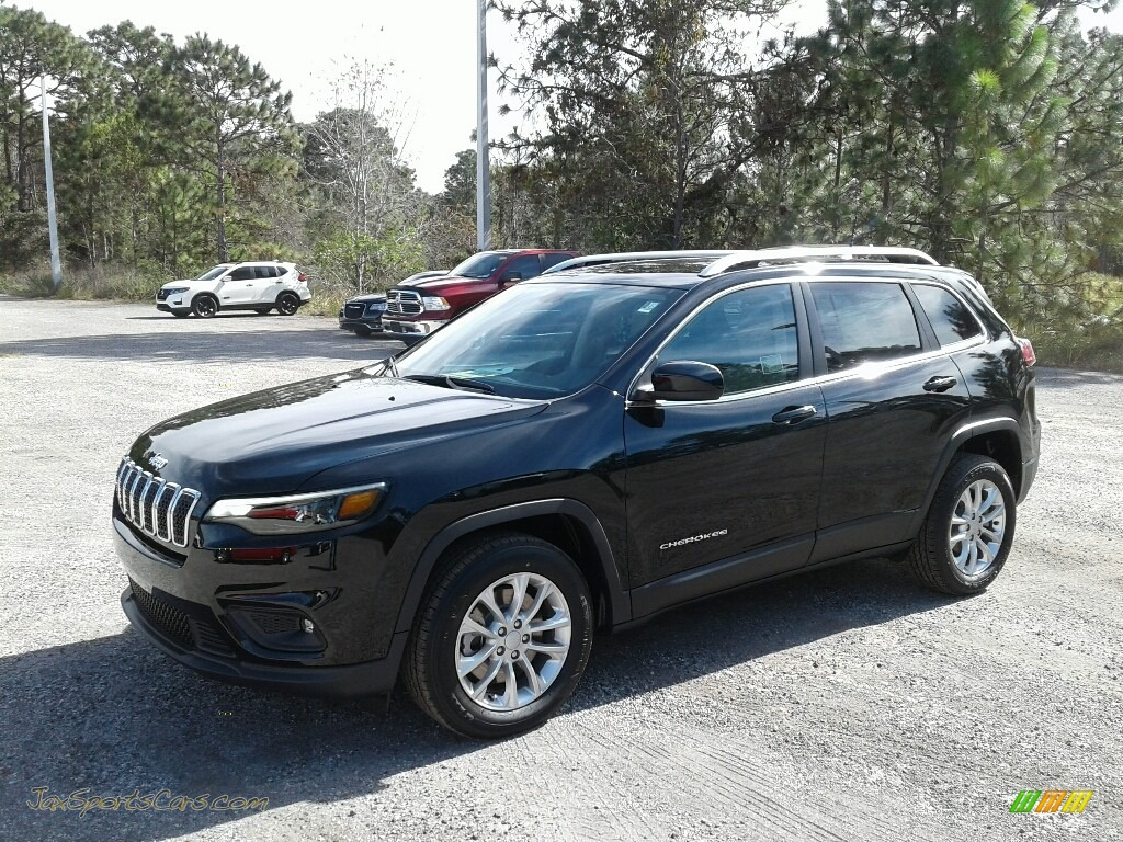 2019 Cherokee Latitude - Diamond Black Crystal Pearl / Black/Light Frost Beige photo #1