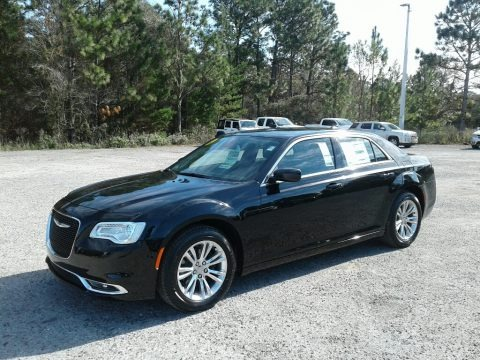 Gloss Black 2019 Chrysler 300 Touring