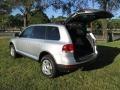 Volkswagen Touareg V6 Reflex Silver Metallic photo #31