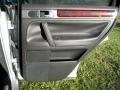Volkswagen Touareg V6 Reflex Silver Metallic photo #44