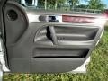 Volkswagen Touareg V6 Reflex Silver Metallic photo #47