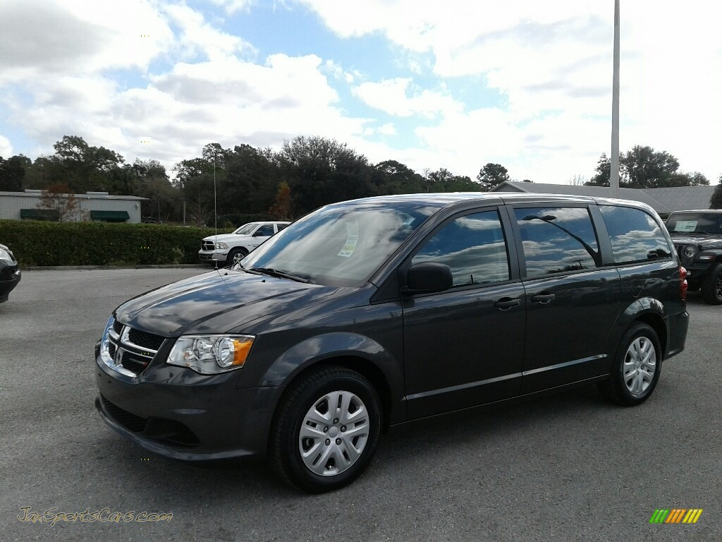2019 Grand Caravan SE - Granite Pearl / Black/Light Graystone photo #1