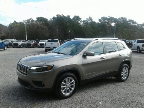 Light Brownstone Pearl 2019 Jeep Cherokee Latitude