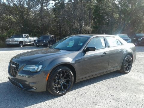 Granite Crystal Metallic 2019 Chrysler 300 Touring