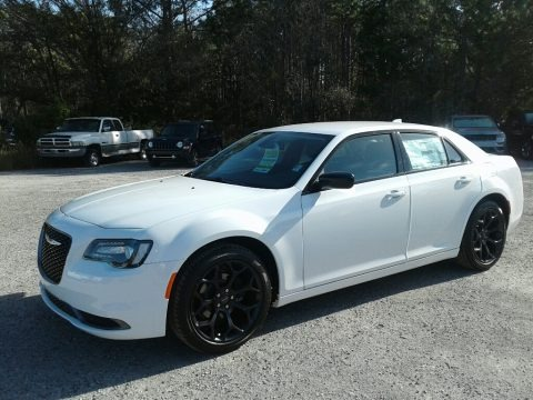 Bright White 2019 Chrysler 300 Touring