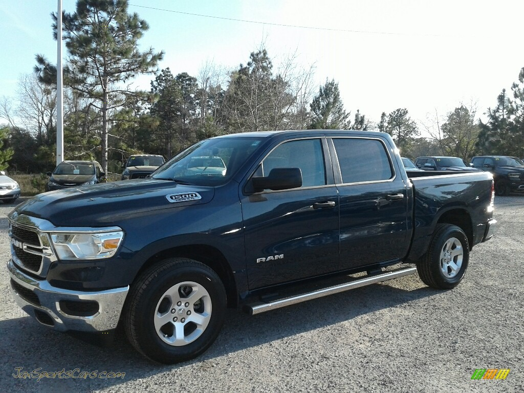 Patriot Blue Pearl / Black Ram 1500 Tradesman Crew Cab