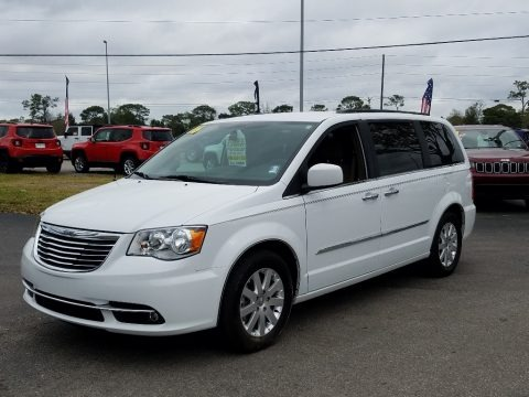 Bright White 2016 Chrysler Town & Country Touring