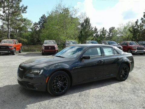 Maximum Steel Metallic 2019 Chrysler 300 Touring