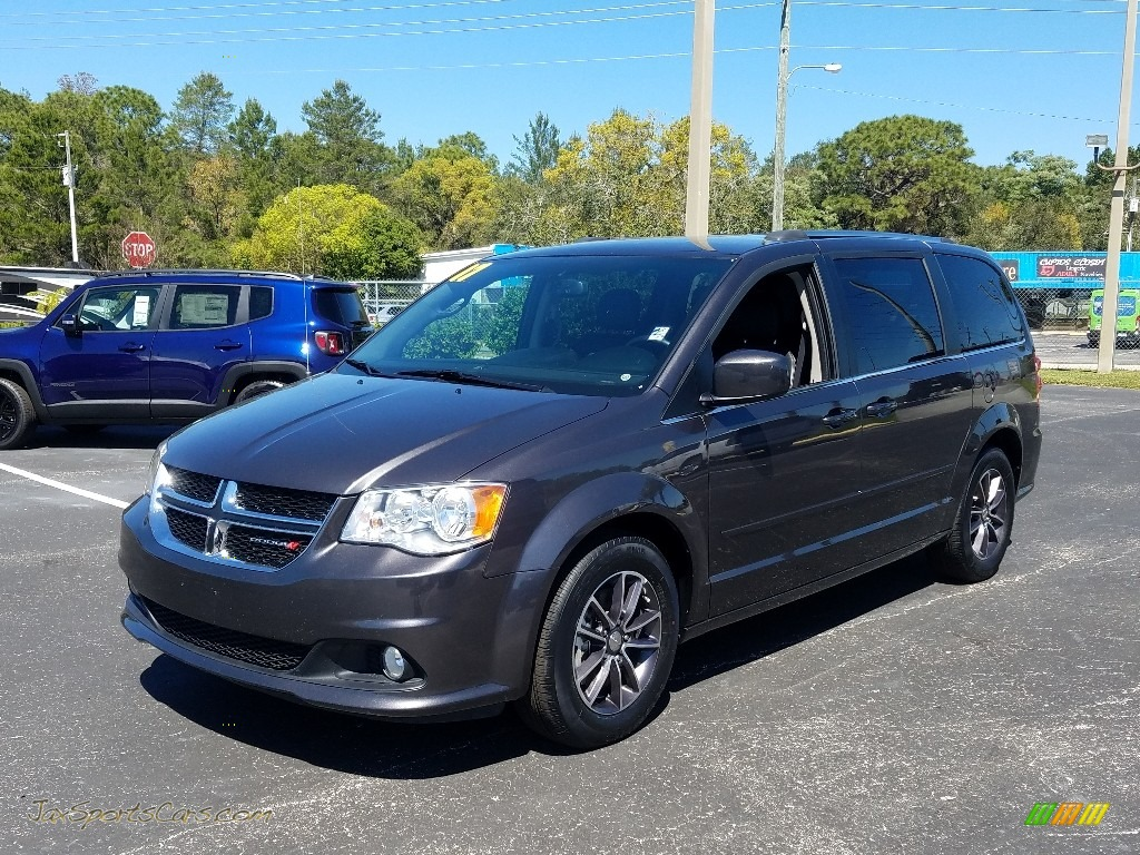 2017 Grand Caravan SXT - Granite / Black/Light Graystone photo #1