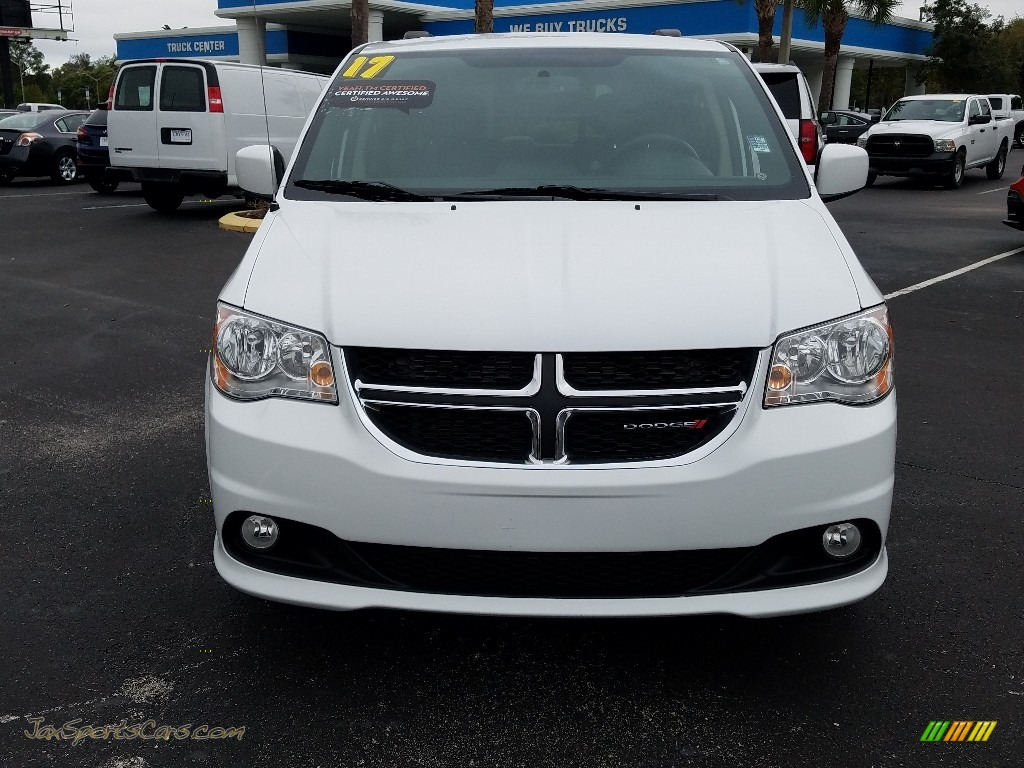 2017 Grand Caravan SXT - White Knuckle / Black/Light Graystone photo #8