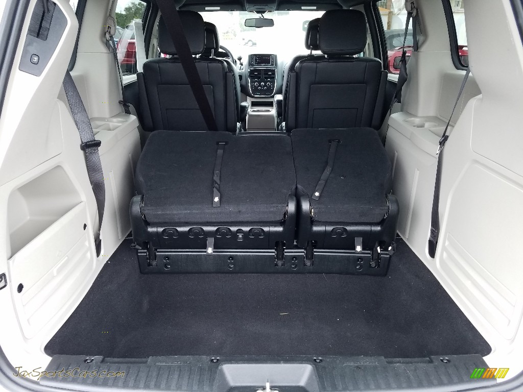 2017 Grand Caravan SXT - White Knuckle / Black/Light Graystone photo #19
