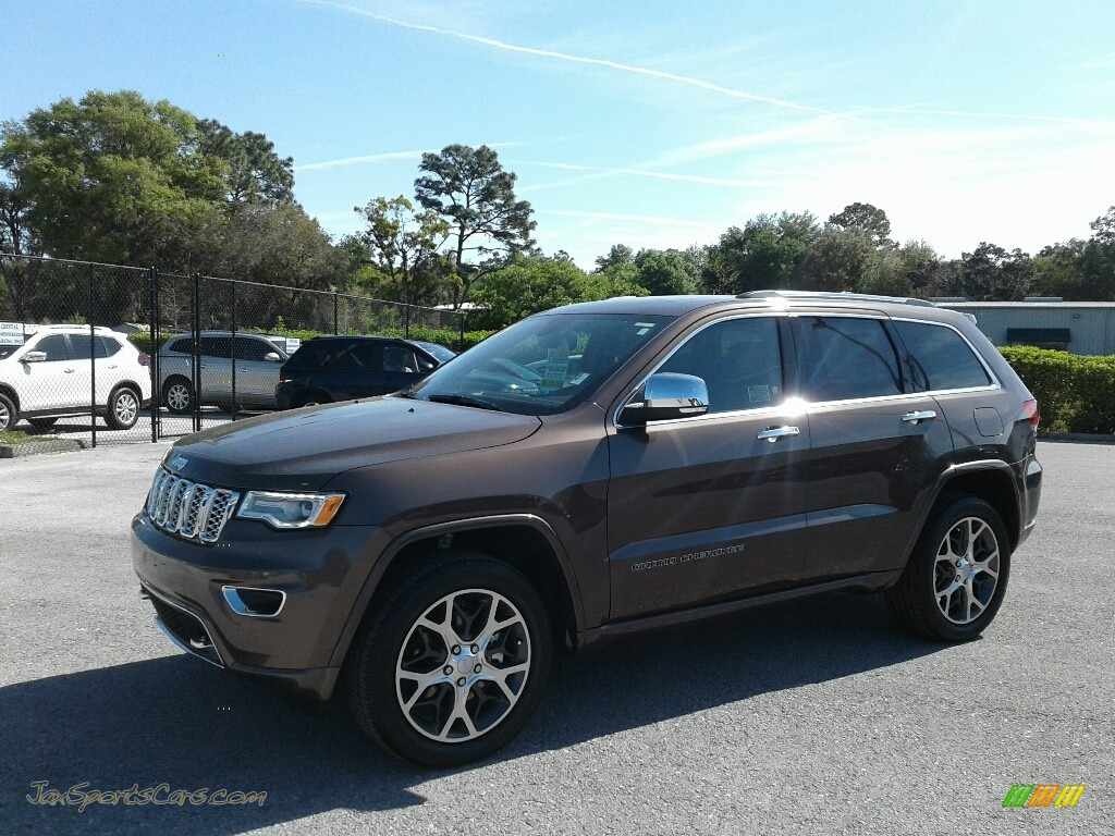 2019 Grand Cherokee Overland 4x4 - Walnut Brown Metallic / Brown photo #1