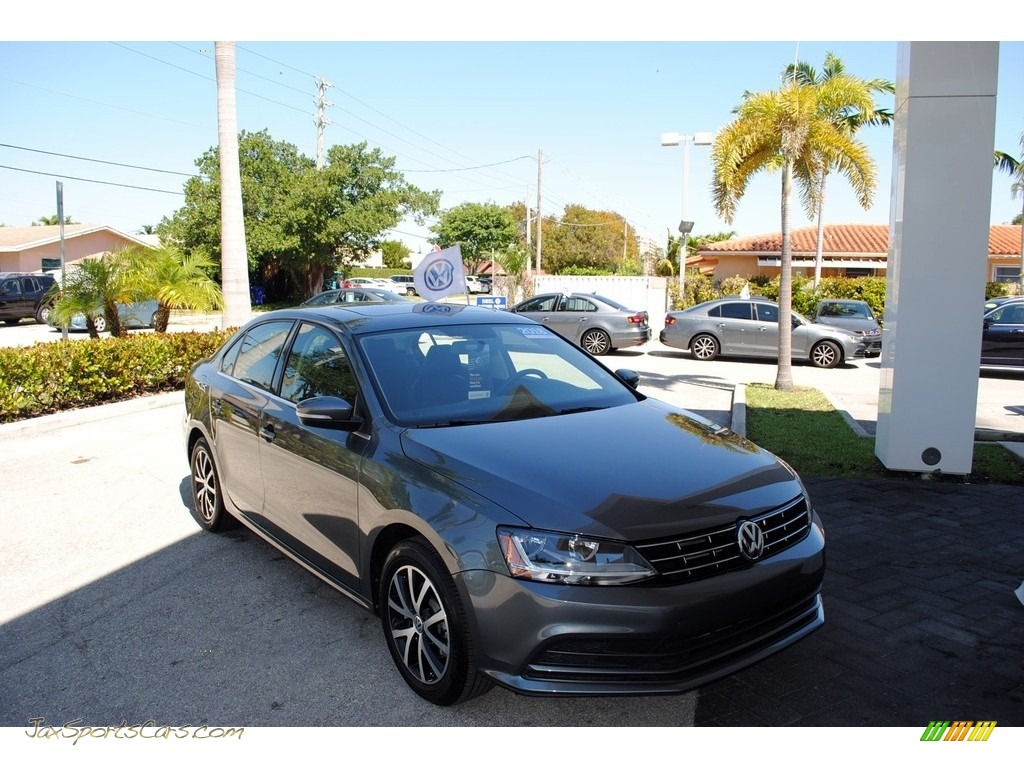2018 Jetta SE - Platinum Gray Metallic / Titan Black photo #1