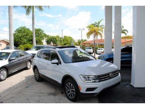 White Silver Metallic 2019 Volkswagen Tiguan SE
