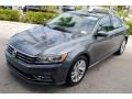 Volkswagen Passat SE Platinum Gray Metallic photo #4