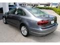 Volkswagen Passat SE Platinum Gray Metallic photo #5