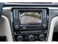 Volkswagen Passat SE Platinum Gray Metallic photo #16