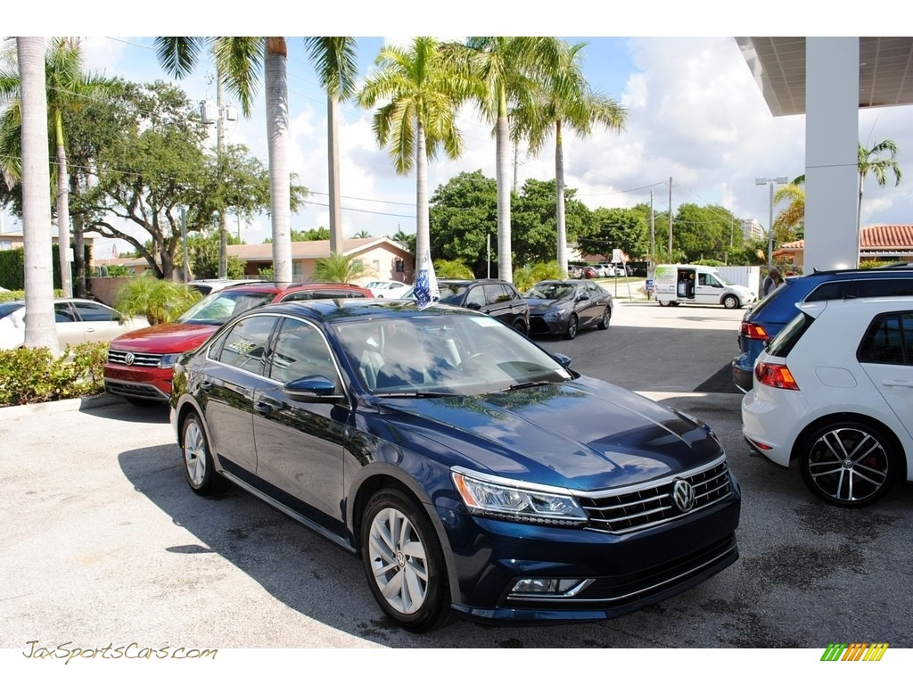 2018 Passat SE - Tourmaline Blue Metallic / Titan Black photo #1