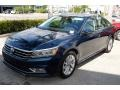 Volkswagen Passat SE Tourmaline Blue Metallic photo #4