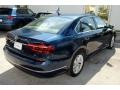 Volkswagen Passat SE Tourmaline Blue Metallic photo #9