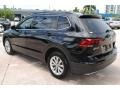 Volkswagen Tiguan SE Deep Black Pearl photo #5