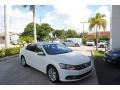 Volkswagen Passat SE Pure White photo #1