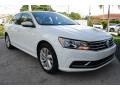 Volkswagen Passat SE Pure White photo #2