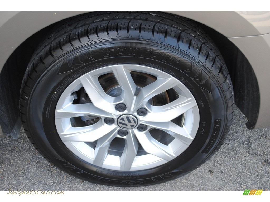 2016 Passat S Sedan - Titanium Beige / Titan Black photo #10