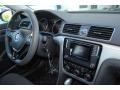 Volkswagen Passat S Sedan Titanium Beige photo #18