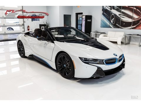 Crystal White Pearl Metallic 2019 BMW I8 Roadster