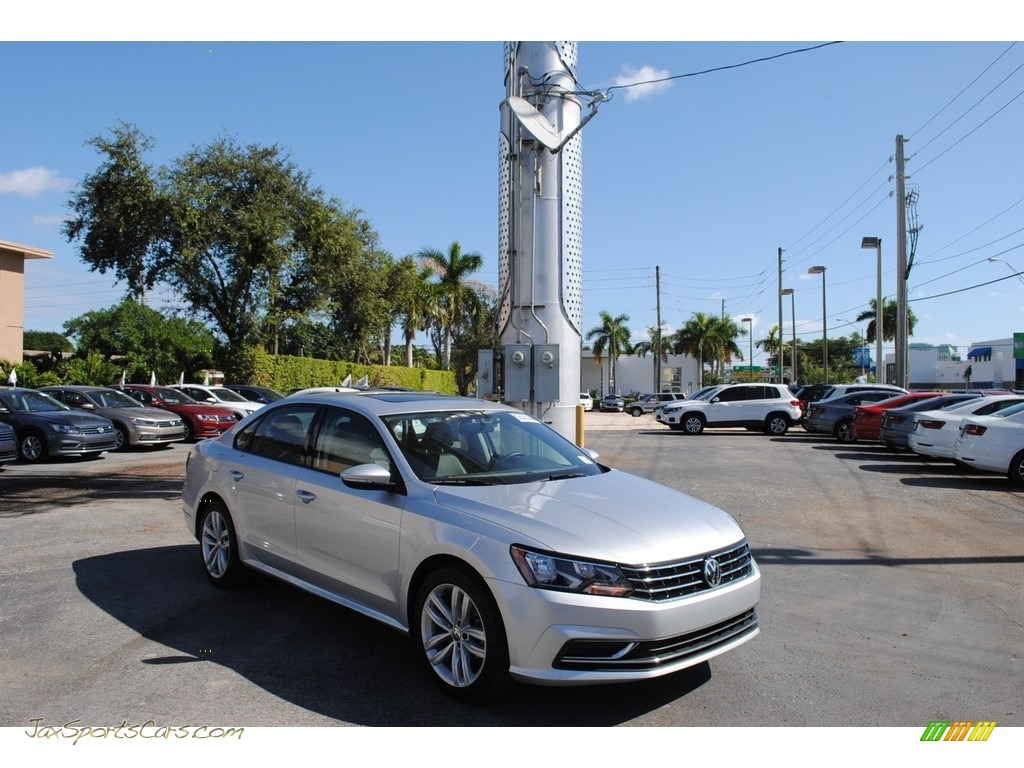 2019 Passat Wolfsburg - Reflex Silver Metallic / Titan Black photo #1