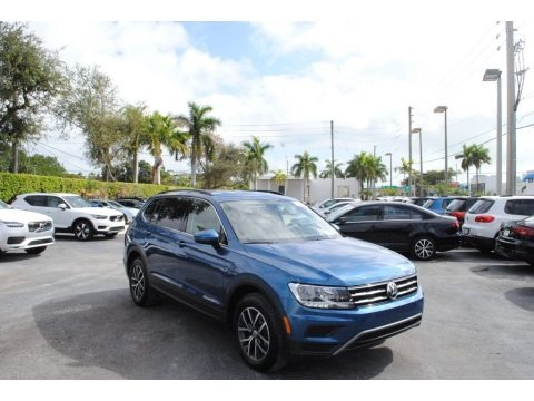Blue Silk Metallic 2019 Volkswagen Tiguan SE