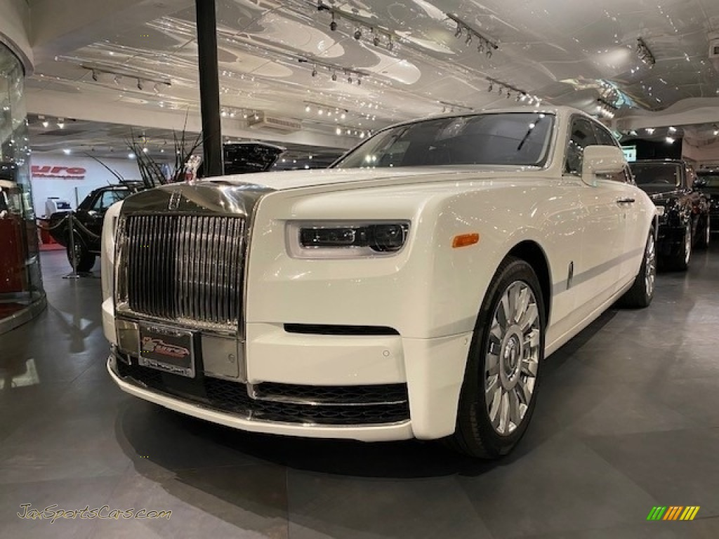 2019 Phantom  - Arctic White / Black photo #1