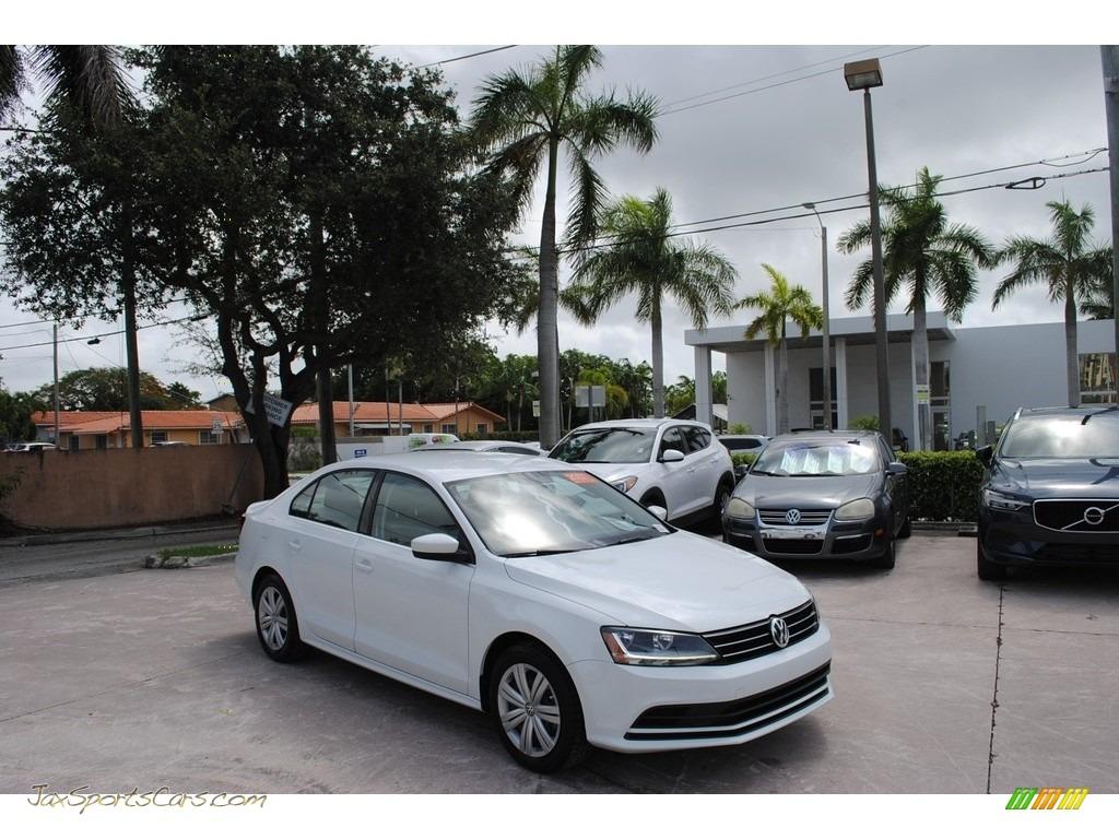 Pure White / Black/Palladium Gray Volkswagen Jetta S