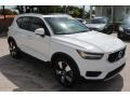 Volvo XC40 T5 Momentum AWD Ice White photo #2