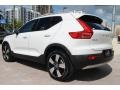 Volvo XC40 T5 Momentum AWD Ice White photo #7