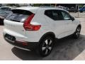 Volvo XC40 T5 Momentum AWD Ice White photo #9