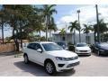 Volkswagen Touareg V6 Sport w/Technology Pure White photo #1
