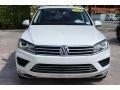 Volkswagen Touareg V6 Sport w/Technology Pure White photo #3