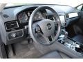 Volkswagen Touareg V6 Sport w/Technology Pure White photo #15