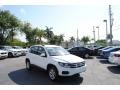 Volkswagen Tiguan S Pure White photo #1