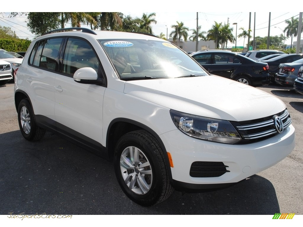 2017 Tiguan S - Pure White / Beige/Black photo #2