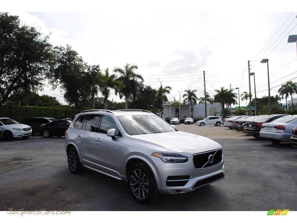 2018 XC90 T6 AWD Momentum - Bright Silver Metallic / Charcoal photo #1