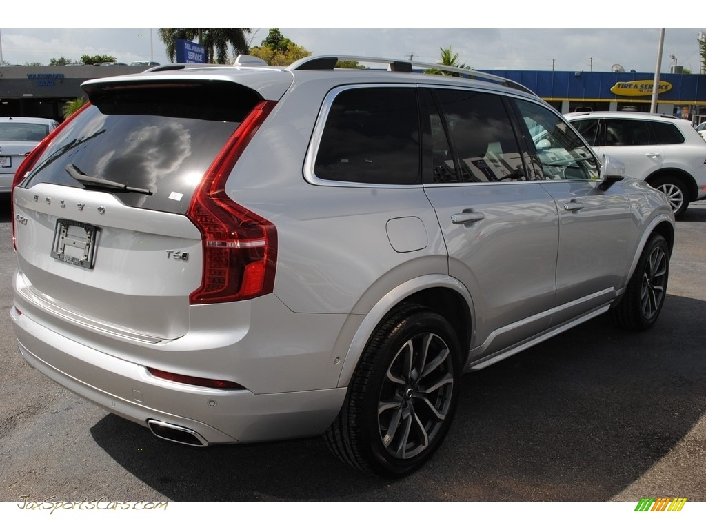 2018 XC90 T6 AWD Momentum - Bright Silver Metallic / Charcoal photo #9