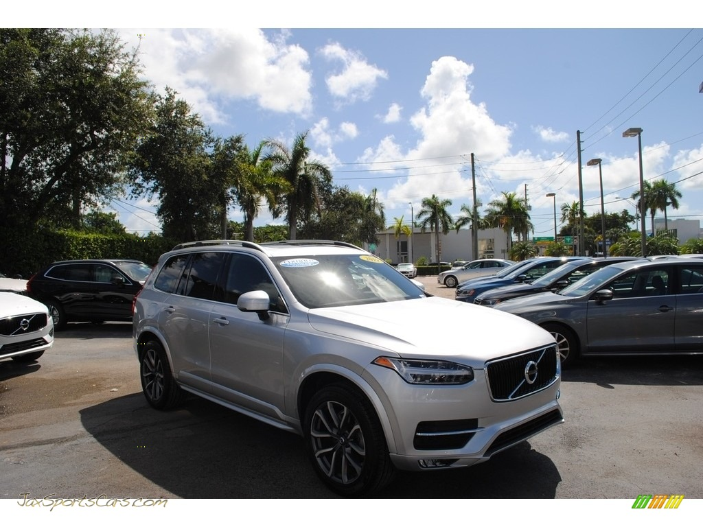 2019 XC90 T5 Momentum - Bright Silver Metallic / Charcoal photo #1