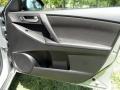 Mazda MAZDA3 i Sport 4 Door Liquid Silver Metallic photo #45